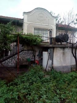 Пловдив, с. Старосел, Продава