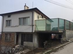 Пловдив, с. Първенец, Продава